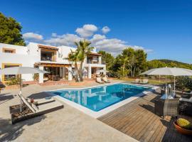 Hotel fotoğraf: Colonia de Sant Jordi Villa Sleeps 8 Pool Air Con