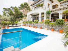 호텔 사진: Port d'Andratx Villa Sleeps 6 Pool Air Con WiFi