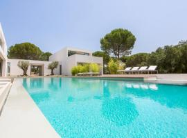 Hotel photo: Comporta Villa Sleeps 10 Pool WiFi