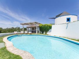 Foto do Hotel: Atalaia de Cima Villa Sleeps 14 Pool WiFi