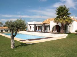 Hotel photo: Aldeia do Meco Villa Sleeps 6 Pool WiFi