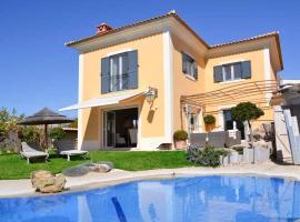 Hotel photo: Birre Villa Sleeps 10 Pool WiFi