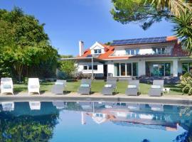 Hotel photo: Birre Villa Sleeps 16 Pool Air Con WiFi