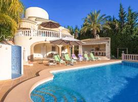 Hotel photo: Fanadix Villa Sleeps 8 Pool Air Con WiFi