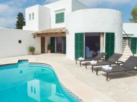 Hotel photo: Cala d'Or Villa Sleeps 6 Pool Air Con WiFi