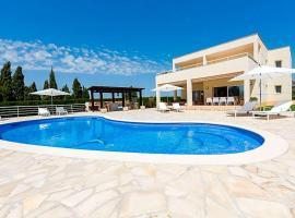 Hotel fotografie: Can Furnet Villa Sleeps 12 Pool Air Con WiFi