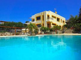 Hotel photo: Playa de Talamanca Villa Sleeps 12 Pool Air Con