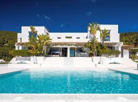 Hotel fotoğraf: Colonia de Sant Jordi Villa Sleeps 12 Pool Air Con