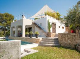 Hotel photo: Cala Tarida Villa Sleeps 10 Pool Air Con WiFi
