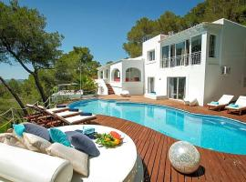 Hotel photo: Can Furnet Villa Sleeps 10 Pool Air Con WiFi