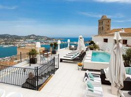 Hotel photo: Ibiza Town Villa Sleeps 14 Pool Air Con WiFi
