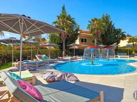 Hotel photo: Quinta do Lago Villa Sleeps 10 Pool