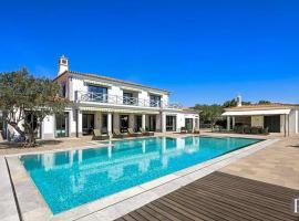 Hotel photo: Almancil Villa Sleeps 10 Pool Air Con WiFi