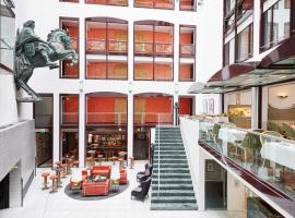 A picture of the hotel: Living Hotel Großer Kurfürst by Derag