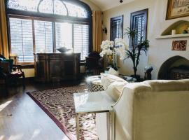 Hotel Foto: Million Dollar 4 Bedroom luxury house