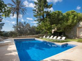 होटल की एक तस्वीर: Lloseta Villa Sleeps 12 Pool Air Con WiFi