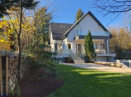 Hotel photo: Green Buda Valley: Holiday home with garden