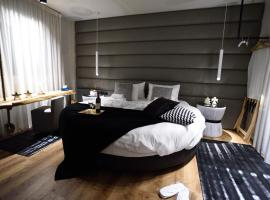 酒店照片: Mystique Luxury Suites