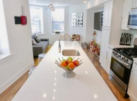 Hotel photo: Contemporary Mid Century Apt in the Heart of Shaw!