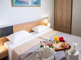 Hotel Photo: Acropolis Suites 54 White