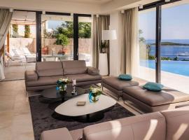 Hotel photo: luxury villa princess of hvar with pool
