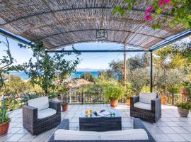 Hotel photo: Marina Seaview Cottage