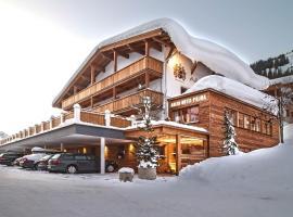 Hotel near Áo