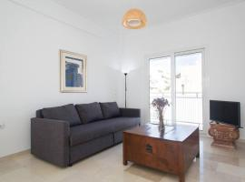 Hotel photo: Fully renovated top-floor apartment