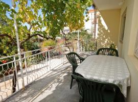 Hotel Photo: Apartment Sukosan 5802b