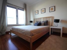 Hotel photo: Gare Oriente Modern T2 Apt with 180 river view