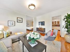 Hotel photo: Cozy flat with cinema
