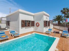 Hotel photo: Playa Honda Villa Sleeps 6 WiFi