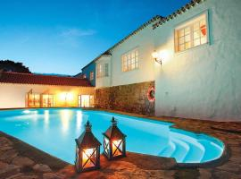 Hotel photo: San Pedro de Daute Villa Sleeps 8 WiFi