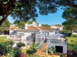 Hotel photo: Sitio de Calahonda Villa Sleeps 10 Air Con WiFi