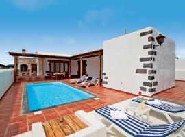 Hotel photo: Yaiza Villa Sleeps 4 WiFi