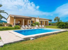 מלון צילום: es Barcares Villa Sleeps 6 Air Con WiFi