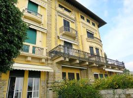 Hotel photo: Santa Margherita Ligure Apartment Sleeps 6 Air Con