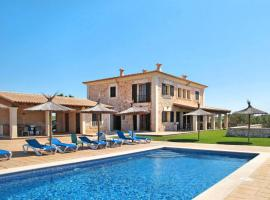 Hotel photo: ses Salines Villa Sleeps 8 Pool Air Con WiFi
