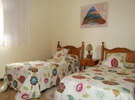 Хотел снимка: Arona Villa Sleeps 8 Pool WiFi