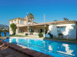 Hotel foto: Torreblanca Villa Sleeps 8 Pool Air Con WiFi