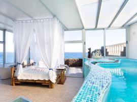 Hotel photo: HomeLike Romantic Sea Front Loft Pool