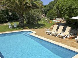 酒店照片: Alaior Villa Sleeps 8 Pool WiFi