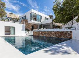 Hotel photo: Cala Tarida Villa Sleeps 12 Pool Air Con T636183