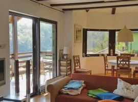 Hotel photo: Holiday Home Donji Zvecaj 15682