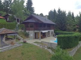 Hotel photo: Family friendly house with a swimming pool Donji Zvecaj (Karlovac) - 15682