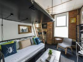 A picture of the hotel: Hipster Flat Guesthouse at Palmer Park