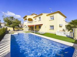 Hotel photo: Casas de Torrat Villa Sleeps 14 Pool