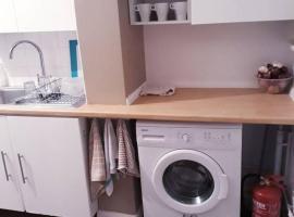 酒店照片: Modern Family home in Streatham, Suitable for Large Groups