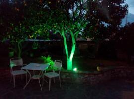 A picture of the hotel: Casetta Minghitto