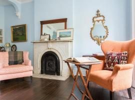 Hotel Foto: East 10th Studio by Onefinestay